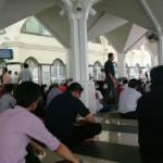 Solat Jumaat di masjid Assyakirin KLCC