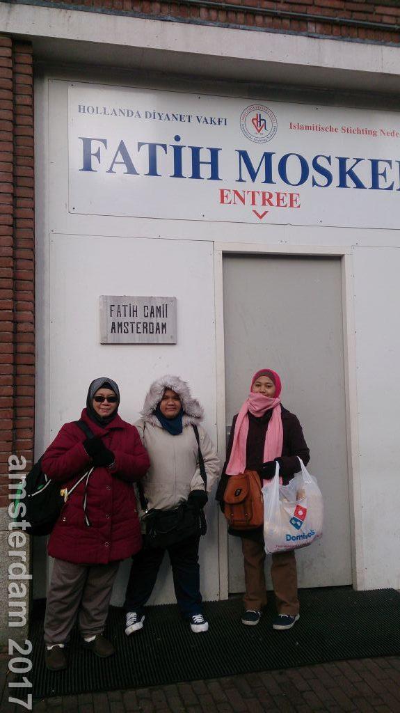 Mencari masjid dan makanan halal di Amsterdam / Mosque and halal food in Amsterdam